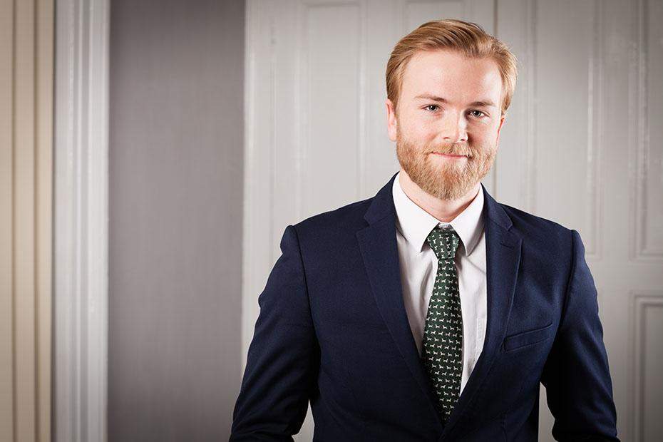 an image of Alexander Cox, a Butcher & Barlow LLP employee